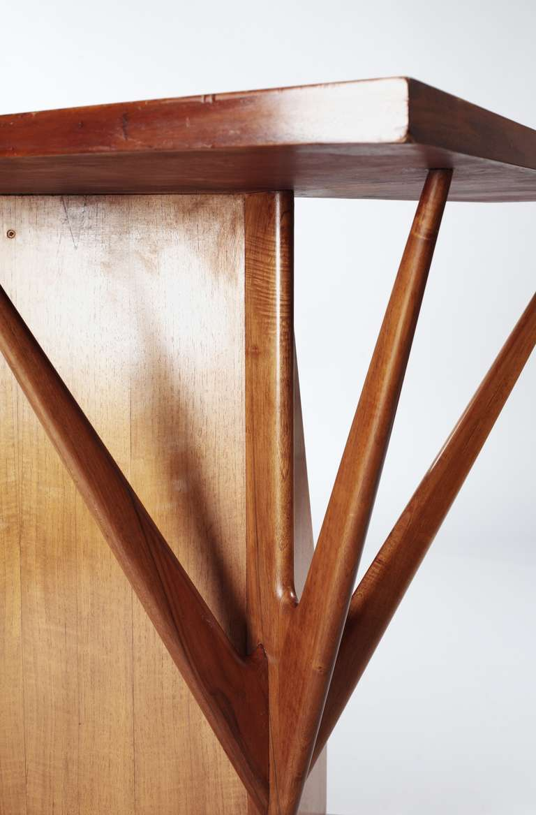 Ico parisi corner console table for sale at 1stdibs for 13 a table paris