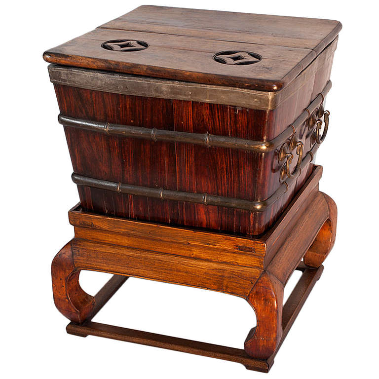Late ming early qing dynasty chinese blackwood walnut for Chinese art furniture