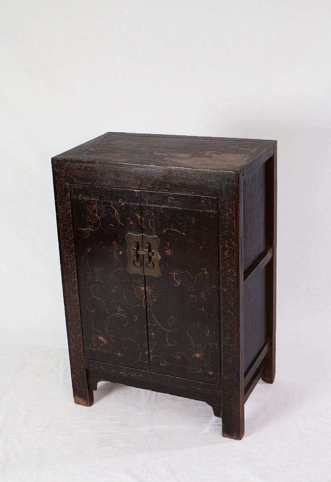 Rare Small Qianlong Chinese Black Lacquer Cabinet With