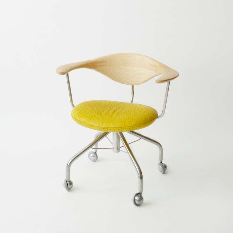 Hans Wegner Swivel Chair For Sale at 1stdibs