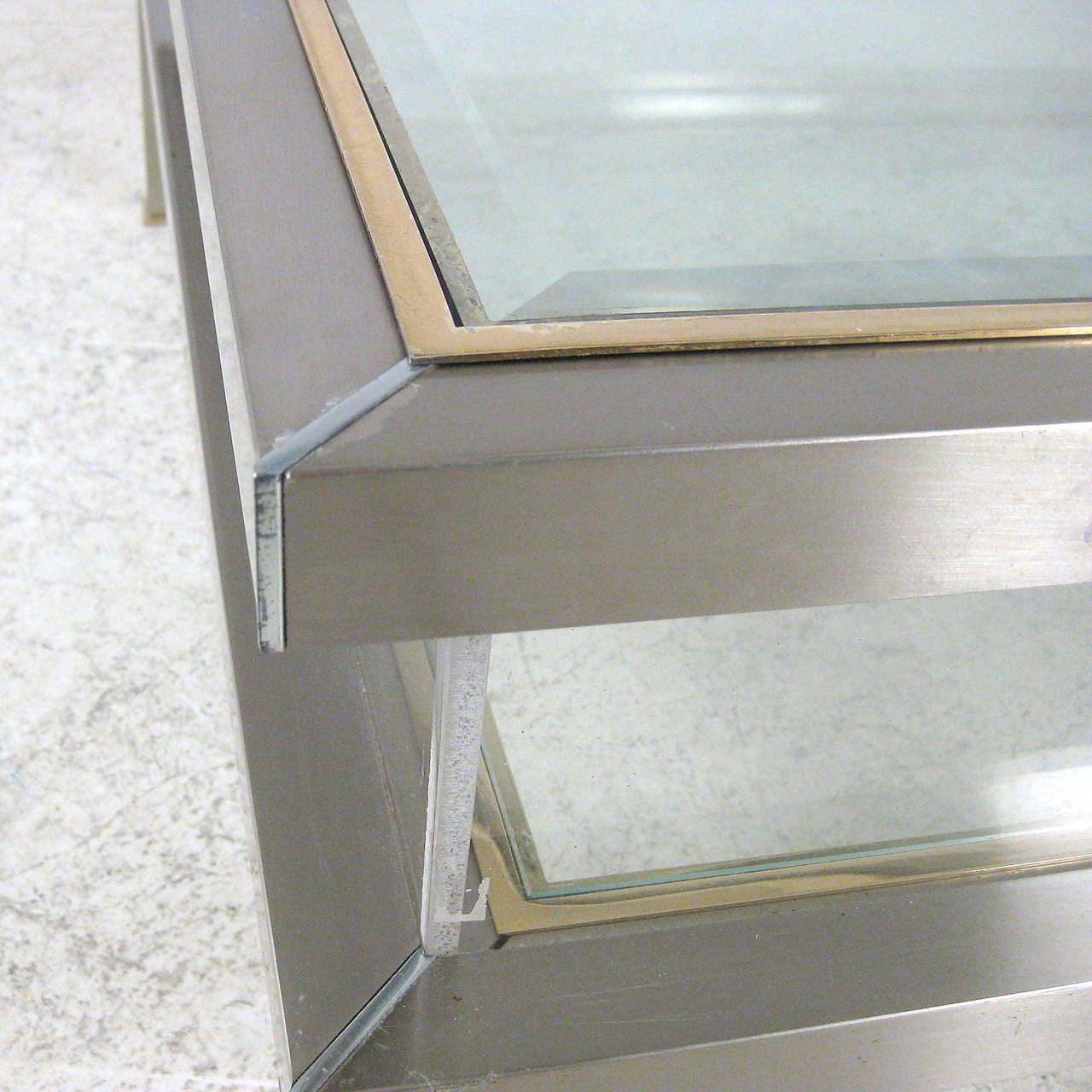 table basse vitrine ancienne. Black Bedroom Furniture Sets. Home Design Ideas