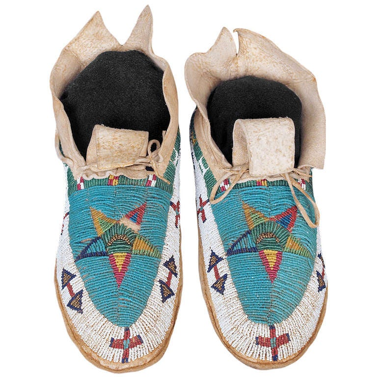19th Century Cheyenne Plains Indian Beaded Pictorial Moccasins, circa 1890