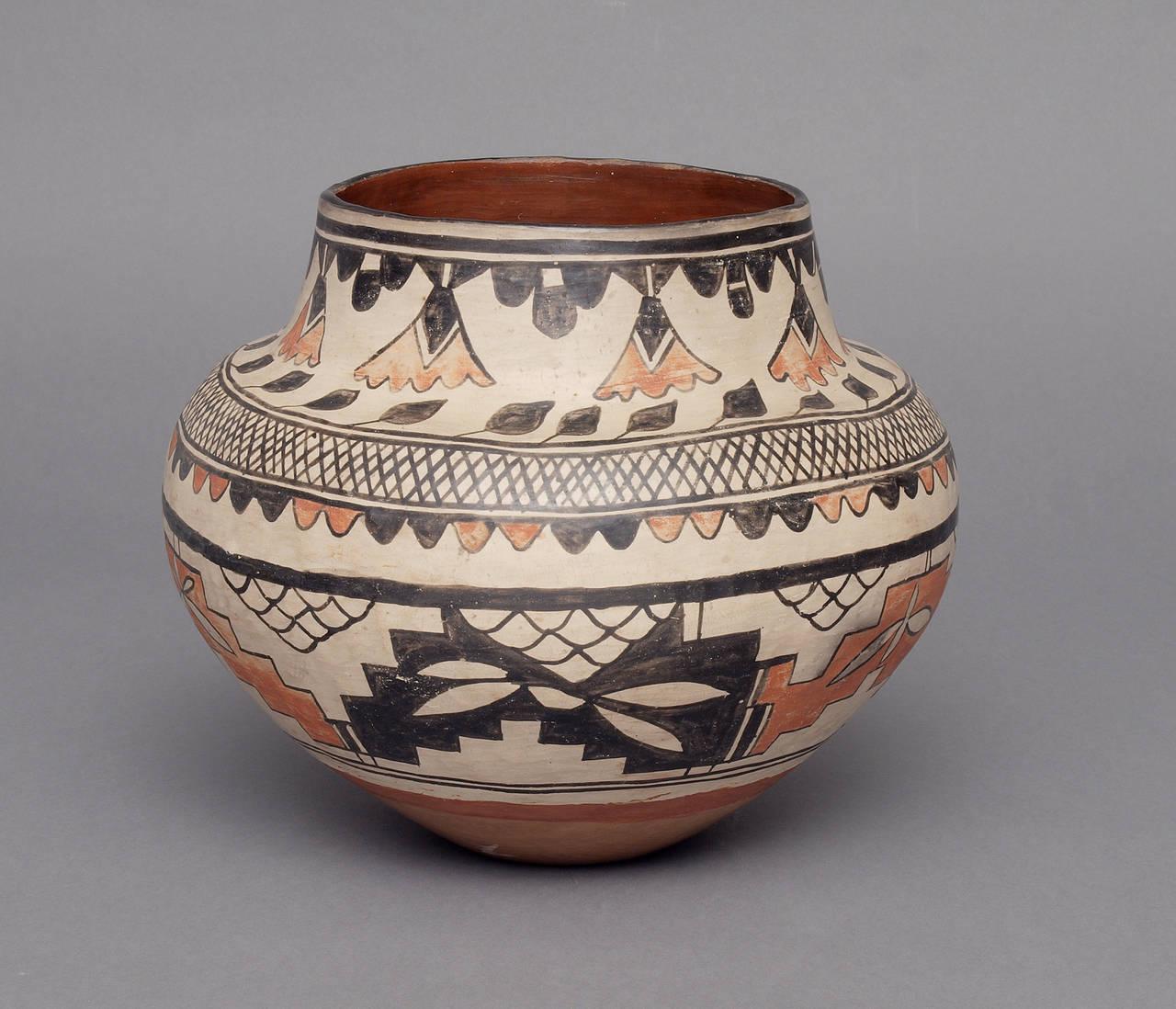 Historic Southwestern Pottery Jar, San Ildefonso circa ...