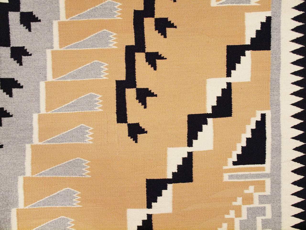 Native American Vintage Navajo Rug, Crystal Trading Post, Mid-20th Century For Sale