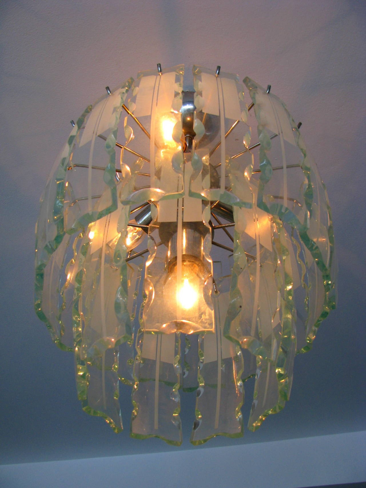 Mid-20th Century Fontana Arte Style Frosted Glass Chandelier, Italy, 1960 For Sale