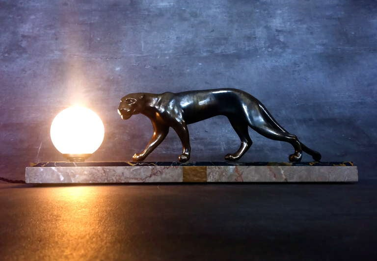 French Art Deco Panther Sculpture Desk Lamp by M. Fonds For Sale 1