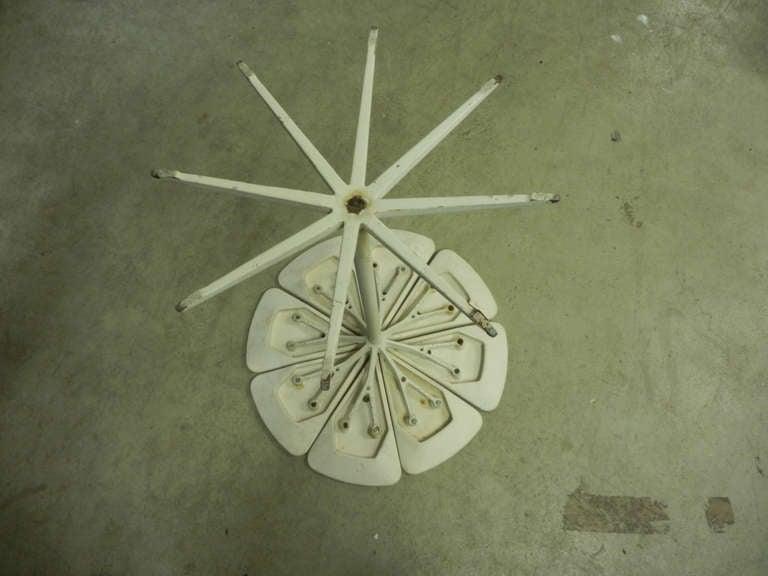 Mid-Century Modern Unique Richard Schultz Petal Side Table Prototype For Sale