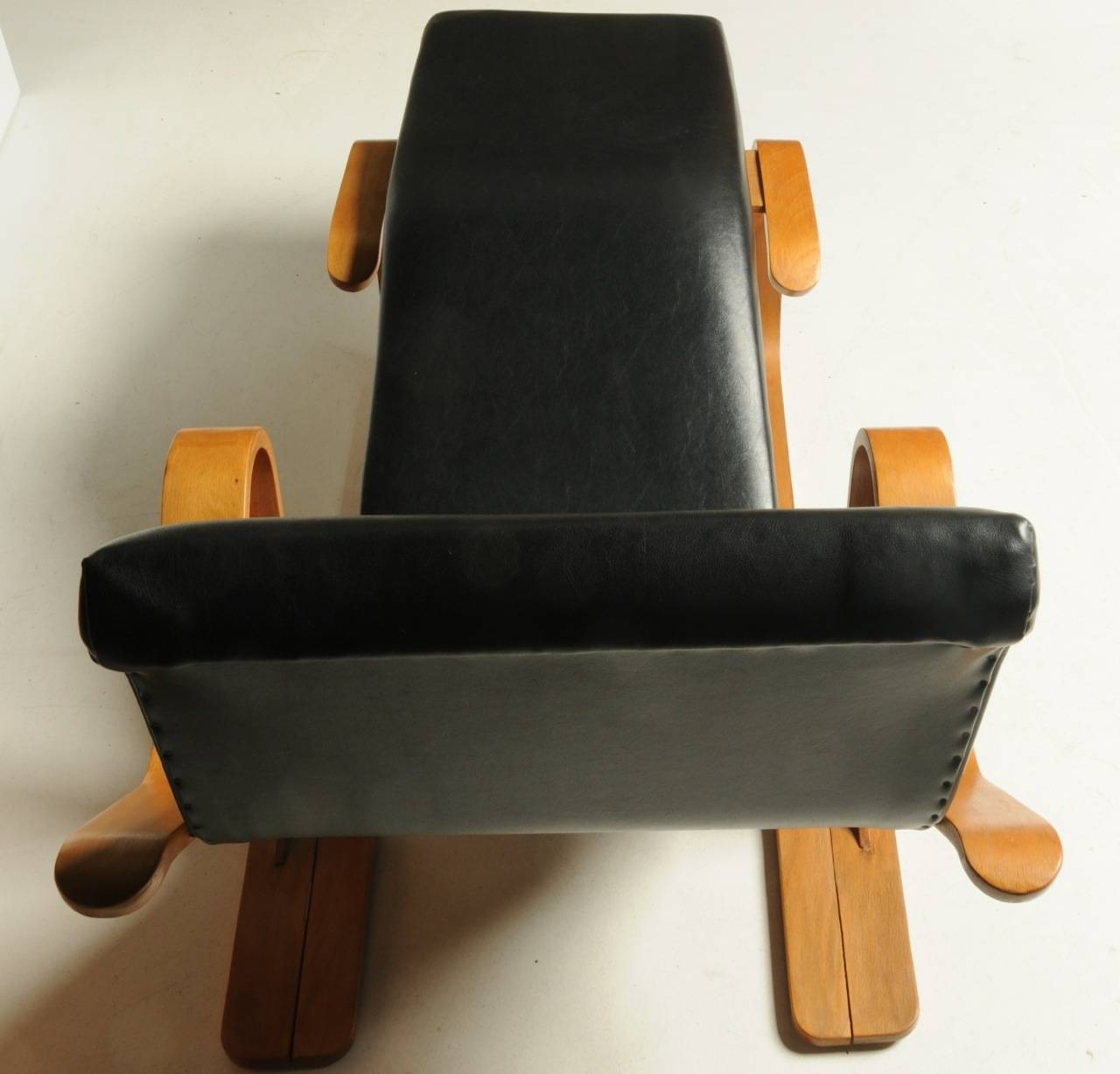 Early marcel breuer long chaise for sale at 1stdibs for Chaise for sale