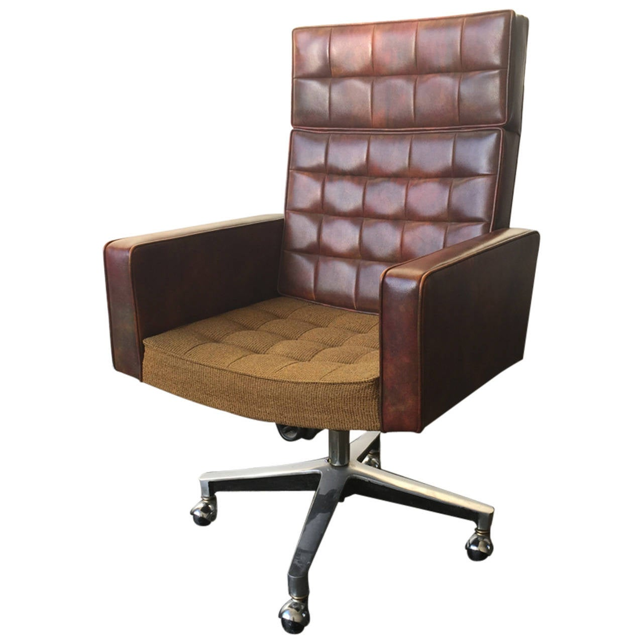 executive desk chair designed by vincent cafiero for knoll at 1stdibs