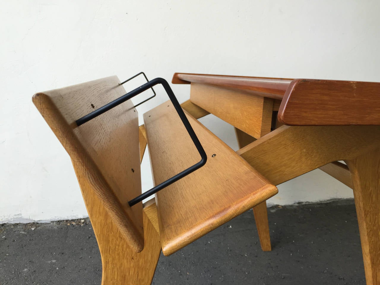 Mid-Century Modern Small Oak and Teak Wood Desk with Bookshelf Attributed to Hans Wegner For Sale