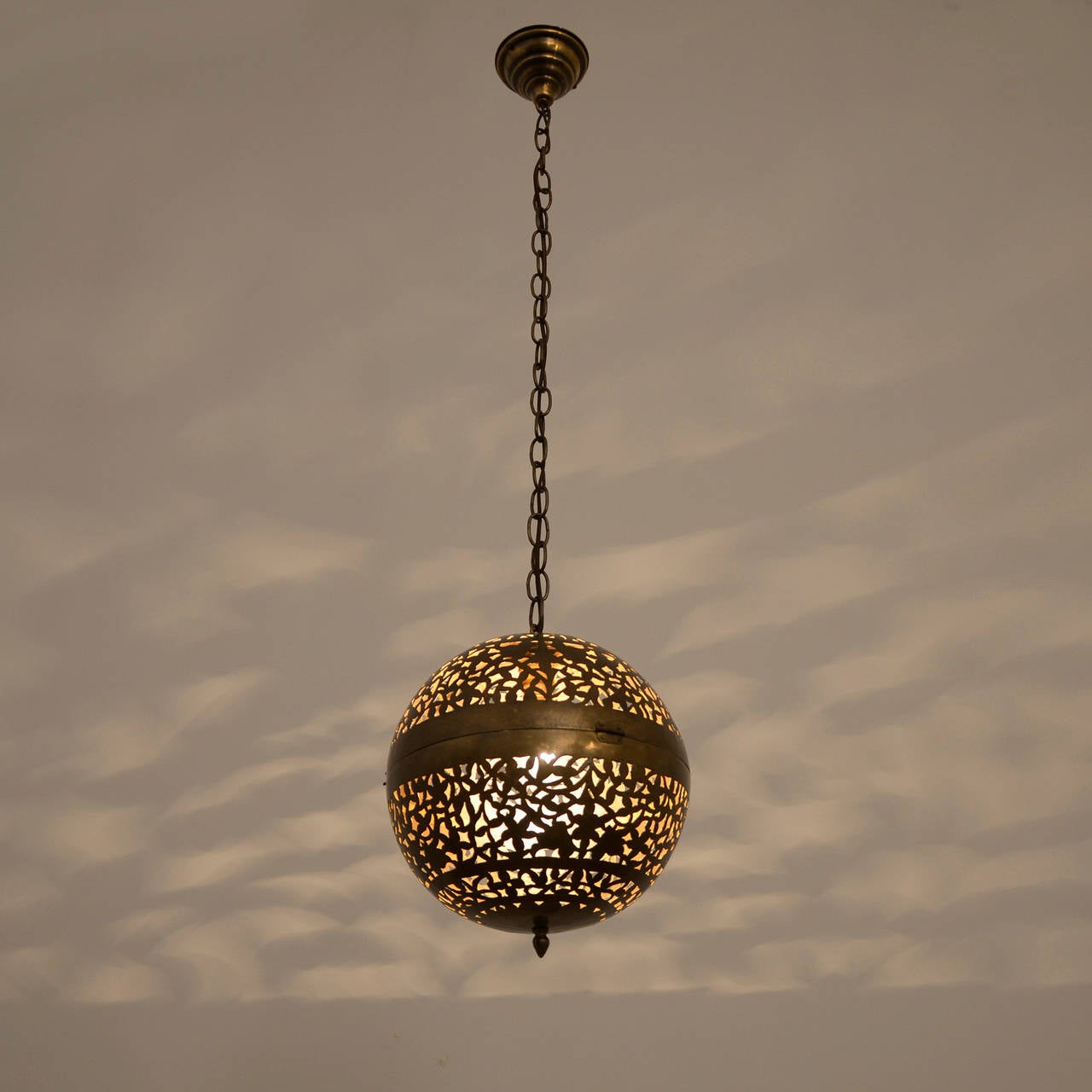 Circa Lighting Modern Globe Pendant :