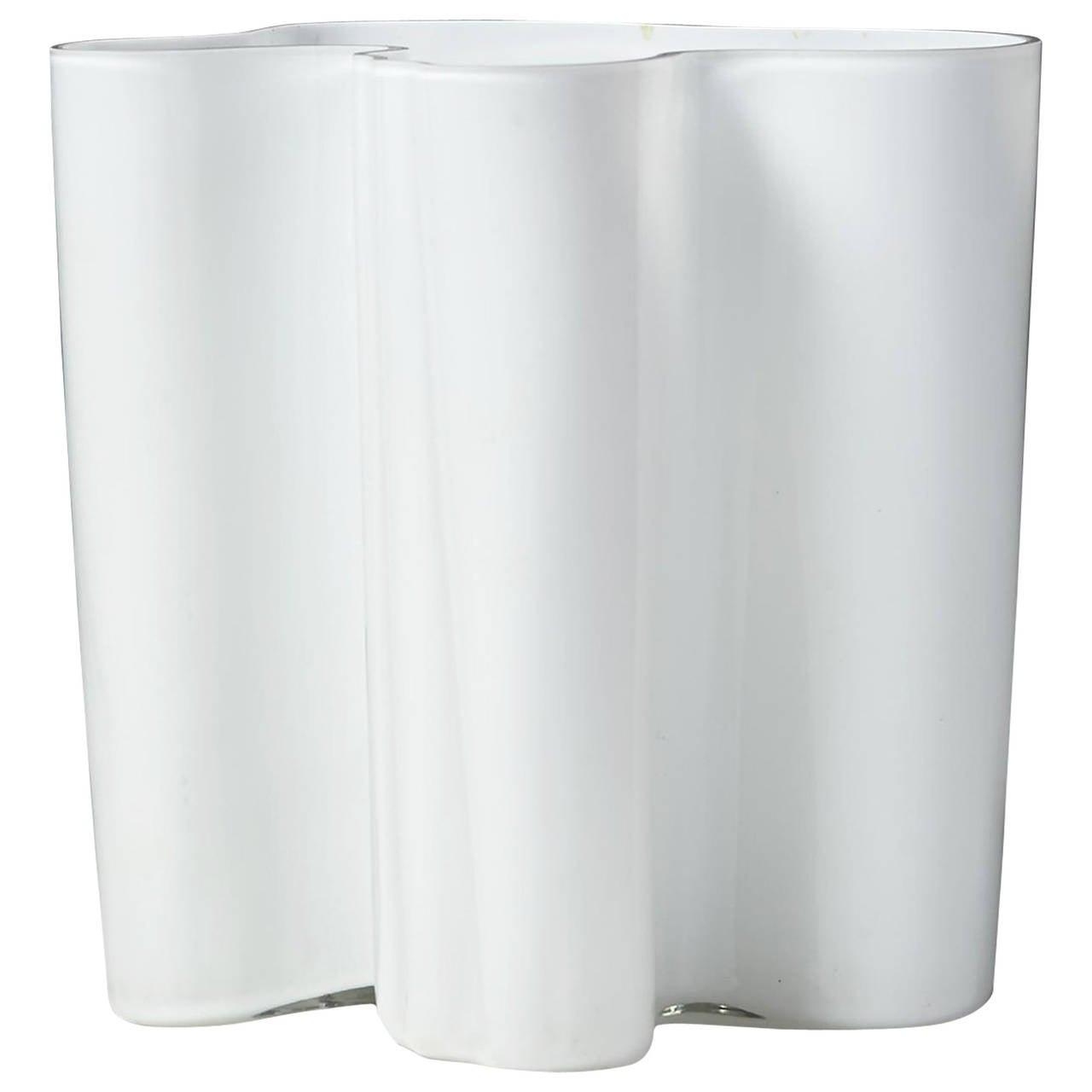 savoy vase designed by alvar aalto for iittala finland 1950 39 s at 1stdibs. Black Bedroom Furniture Sets. Home Design Ideas