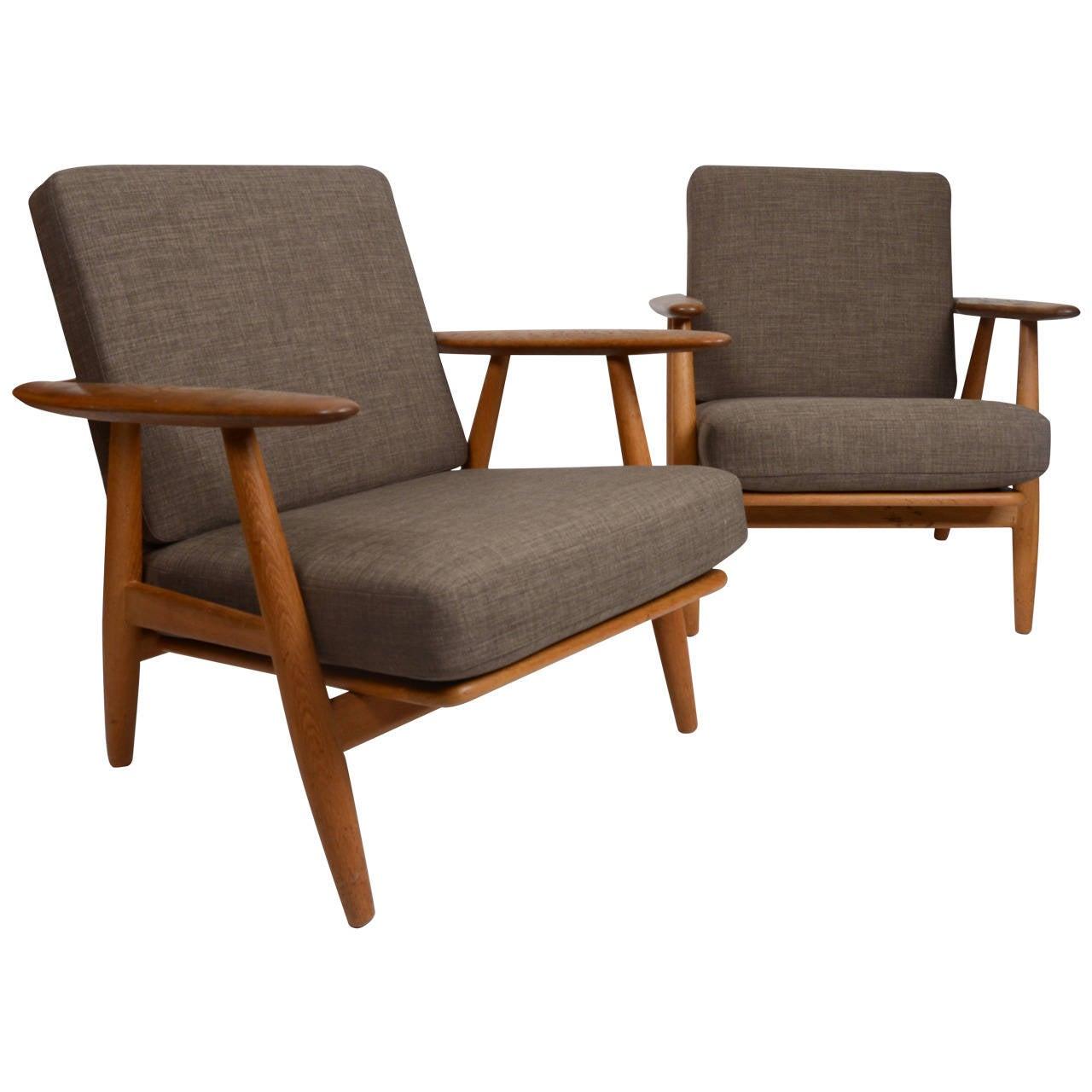 "Hans J Wegner pair of GE 240 ""Cigar"" Lounge Chairs for Getama at 1stdibs"