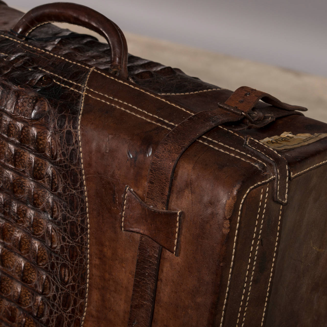Set of Suitcases with Beautiful Patina, Uruguay 1920-1930 2