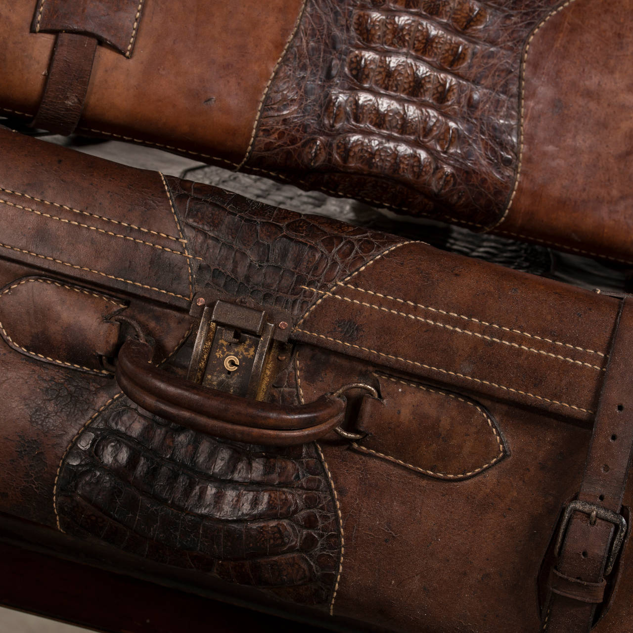 Set of Suitcases with Beautiful Patina, Uruguay 1920-1930 4