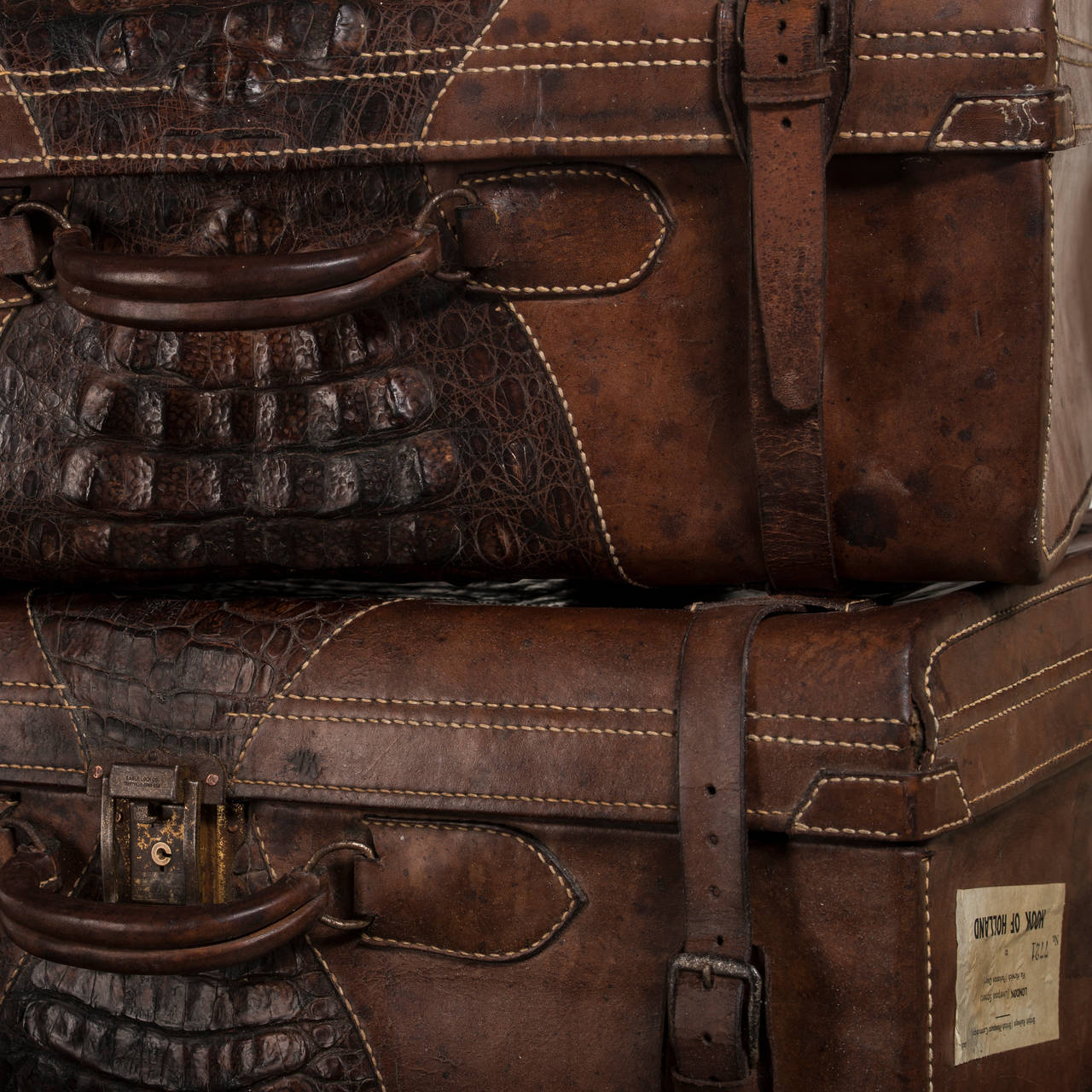 Set of Suitcases with Beautiful Patina, Uruguay 1920-1930 5