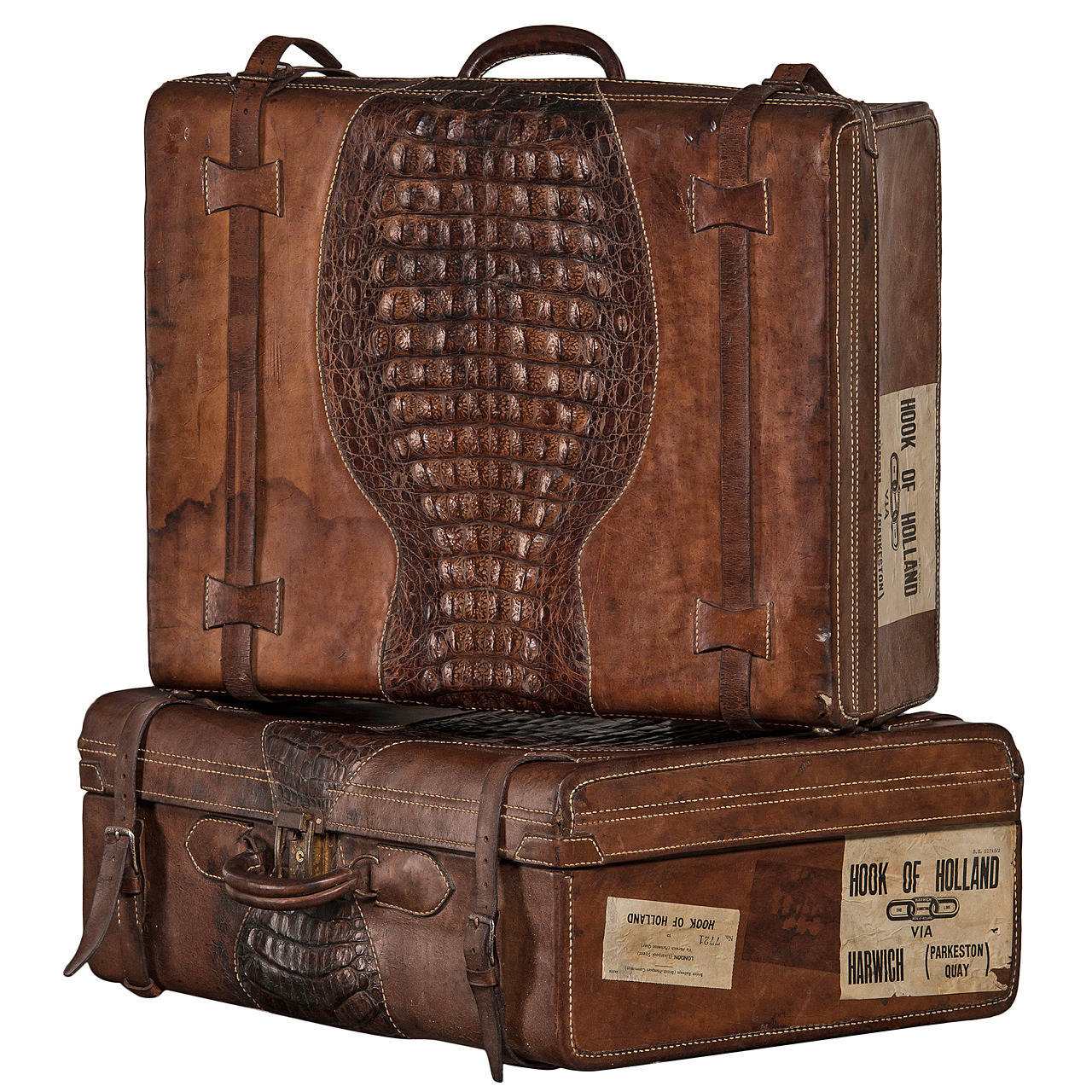 Set of Suitcases with Beautiful Patina, Uruguay 1920-1930 1