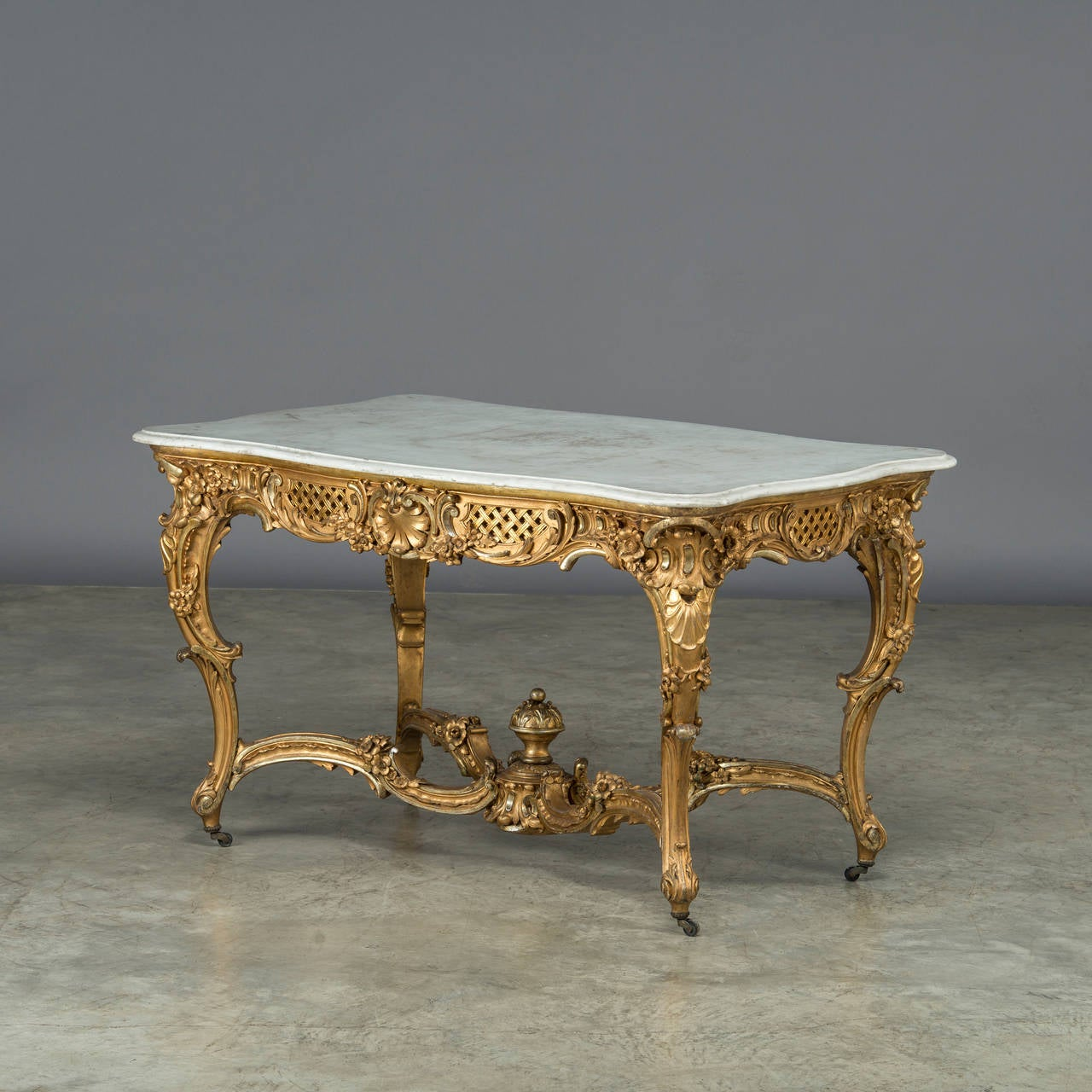 royal provenience salon table from amalienborg castle denmark for sale at 1stdibs. Black Bedroom Furniture Sets. Home Design Ideas