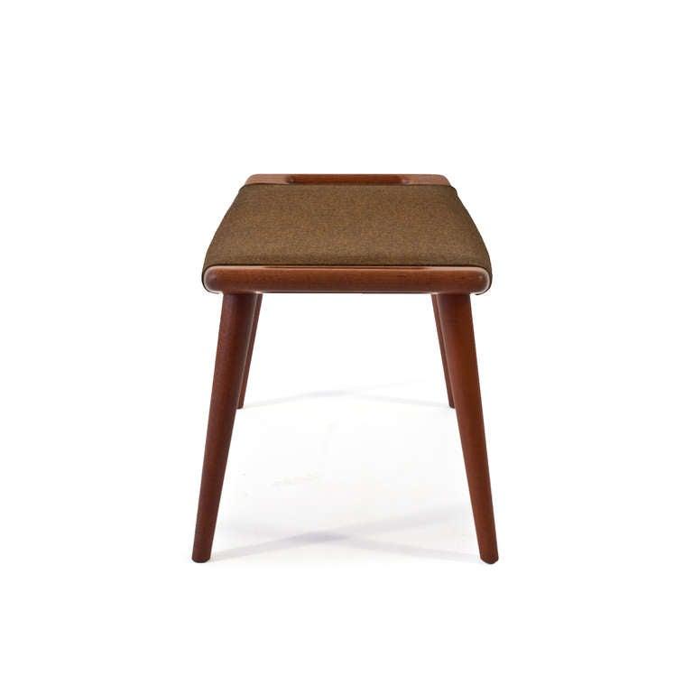 hans j wegner stool image 3. Black Bedroom Furniture Sets. Home Design Ideas