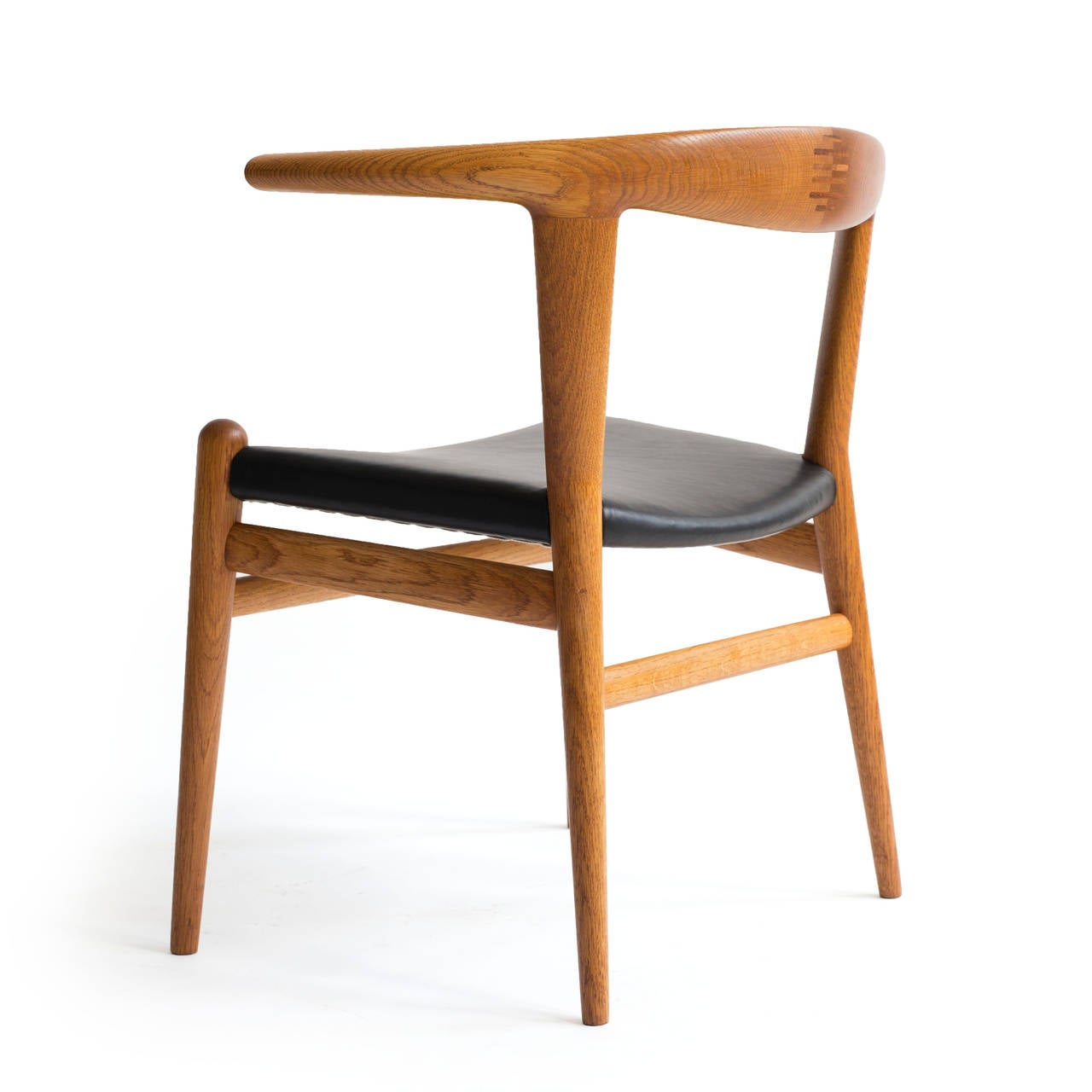 Hans J. Wegner 'Bull Chair' 3