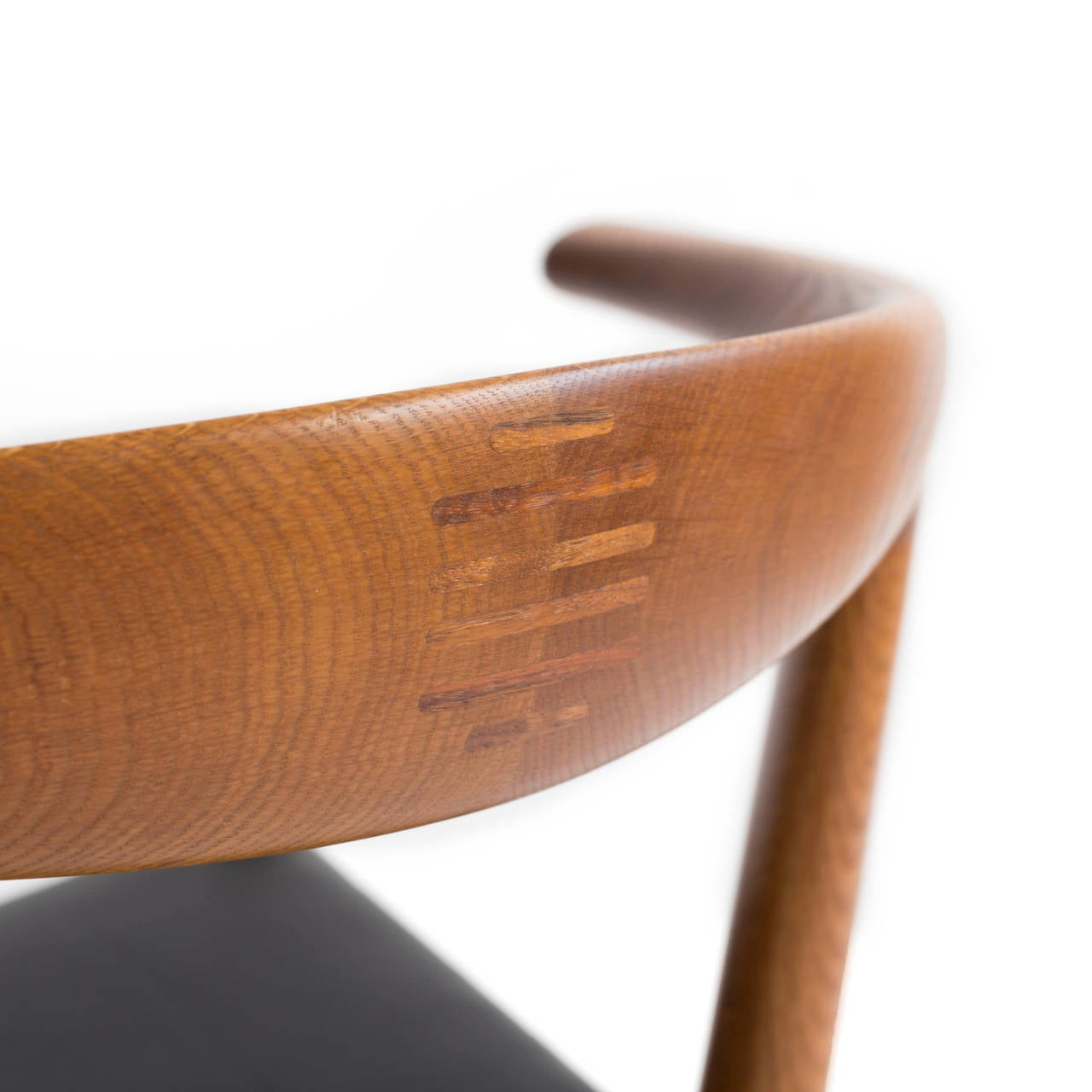 Hans J. Wegner 'Bull Chair' 6