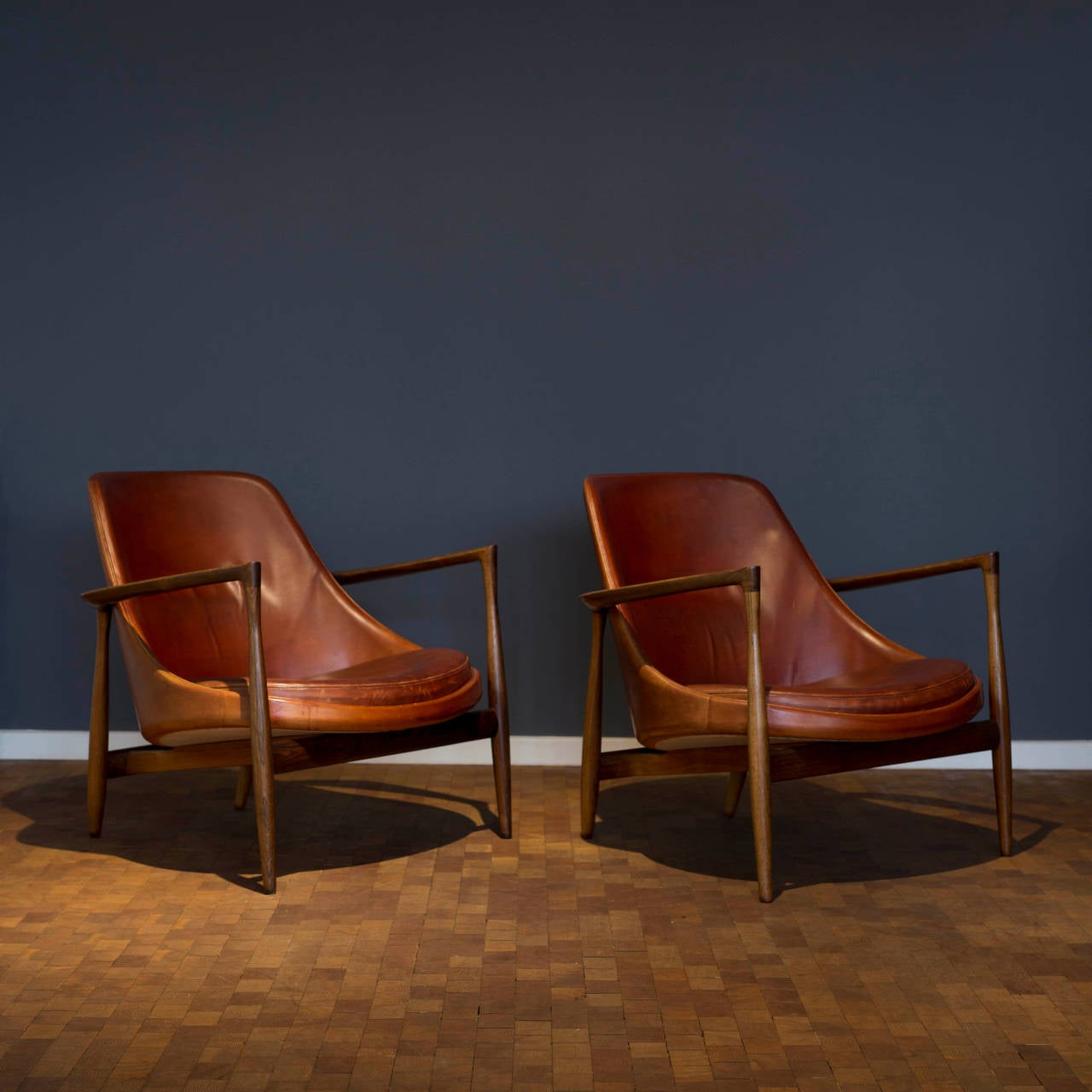 This sculptural pair of lounge chairs by ib kofod larsen is no longer - Pair Of Ib Kofod Larsen Rosewood Elizabeth Chairs For Christensen And Larsen 2