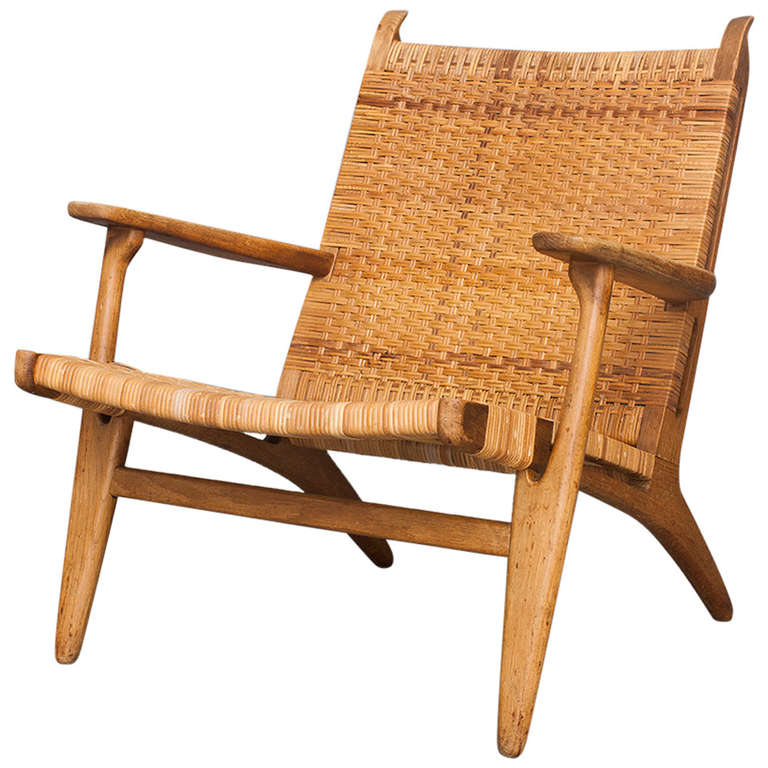 lounge chair by hans j wegner for carl hansen and son at 1stdibs. Black Bedroom Furniture Sets. Home Design Ideas