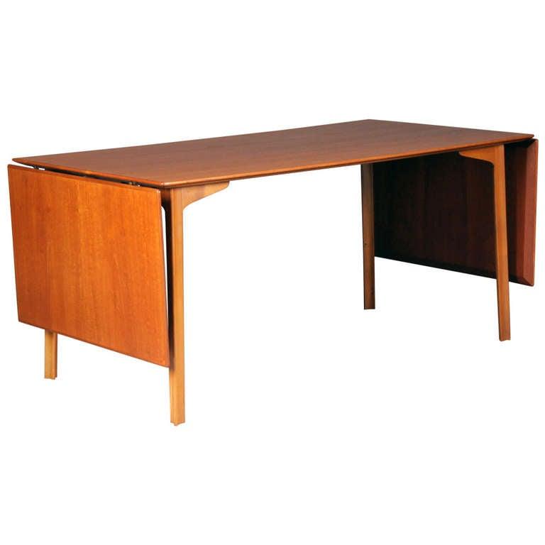 grand prix drop leaf table by arne jacobsen for fritz hansen for sale at 1stdibs. Black Bedroom Furniture Sets. Home Design Ideas