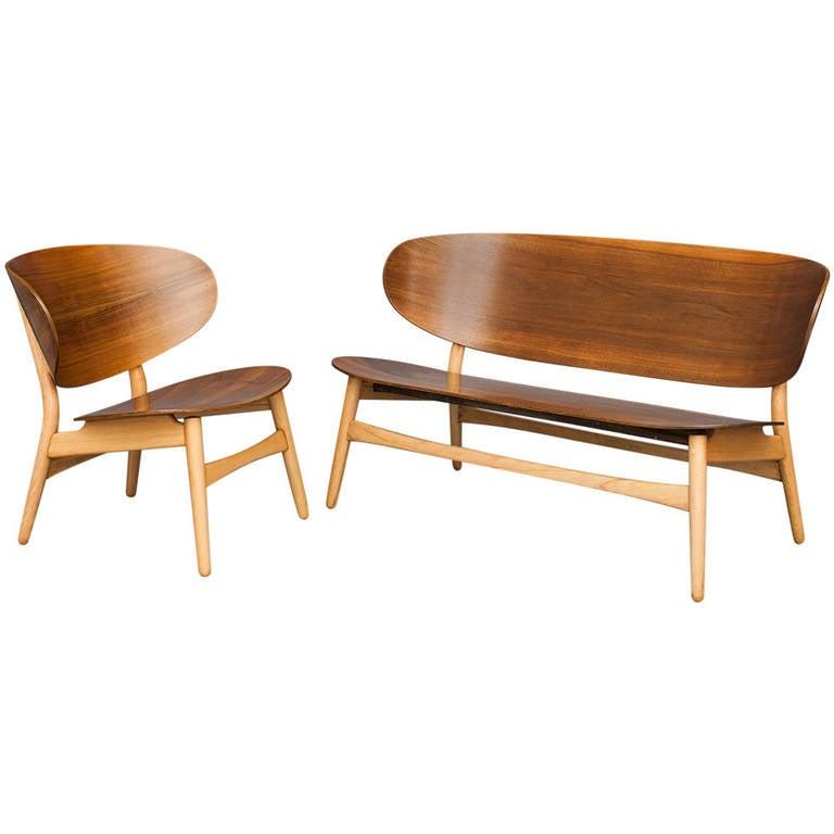 Shell Chair And Sofa By Hans J Wegner For Fritz Hansen At 1stdibs