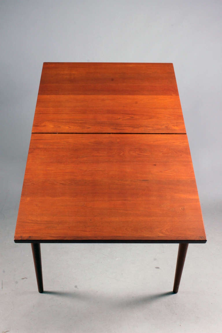 Table with Extension and Extra Leaf by Finn Juhl In Excellent Condition For Sale In Copenhagen, DK
