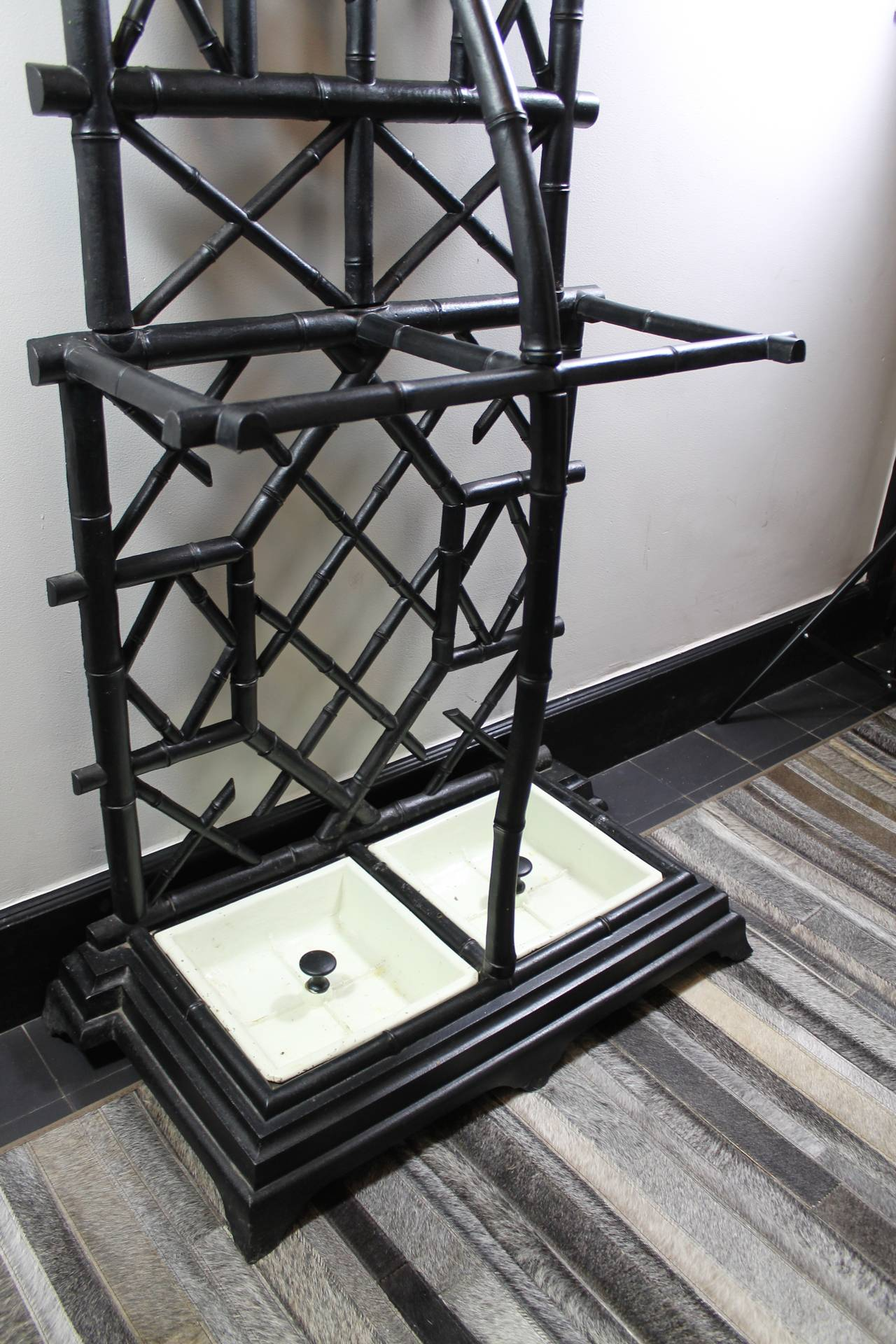 Anglo-Japanese Coat Stand in Cast Iron with Umbrella Stand and Mirror For Sale