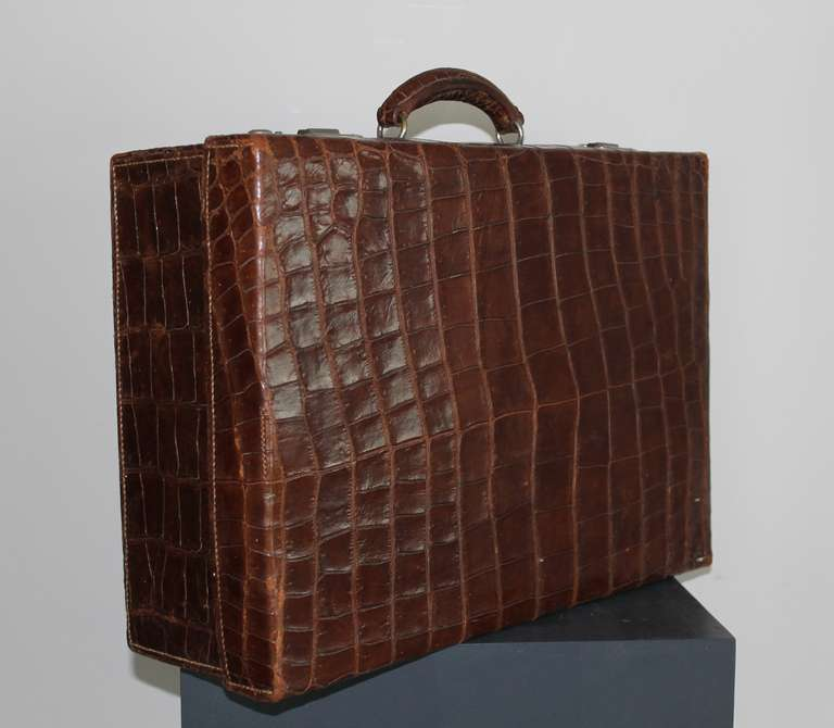 Gents Travelling Case, circa 1920 2