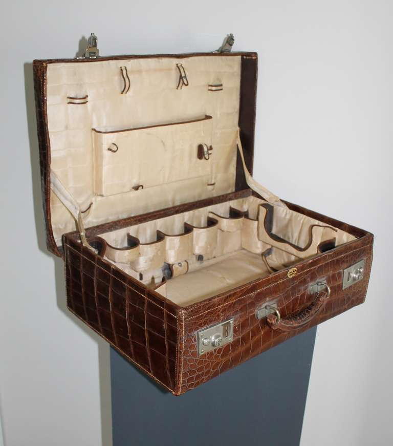Gents Travelling Case, circa 1920 6