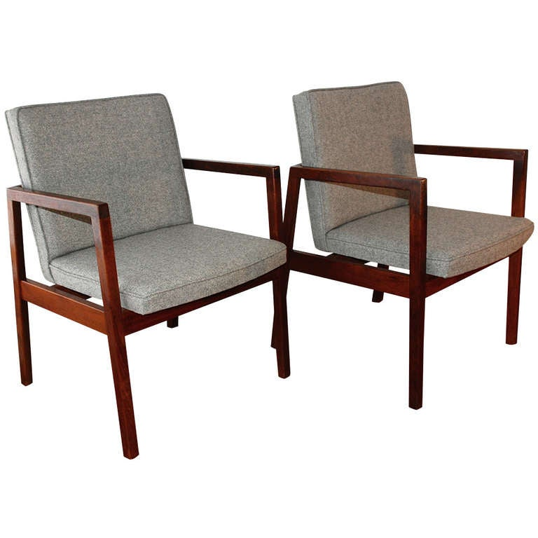 George Nelson for Herman Miller Walnut Club Chairs at 1stdibs : 1045078l from 1stdibs.com size 768 x 768 jpeg 44kB