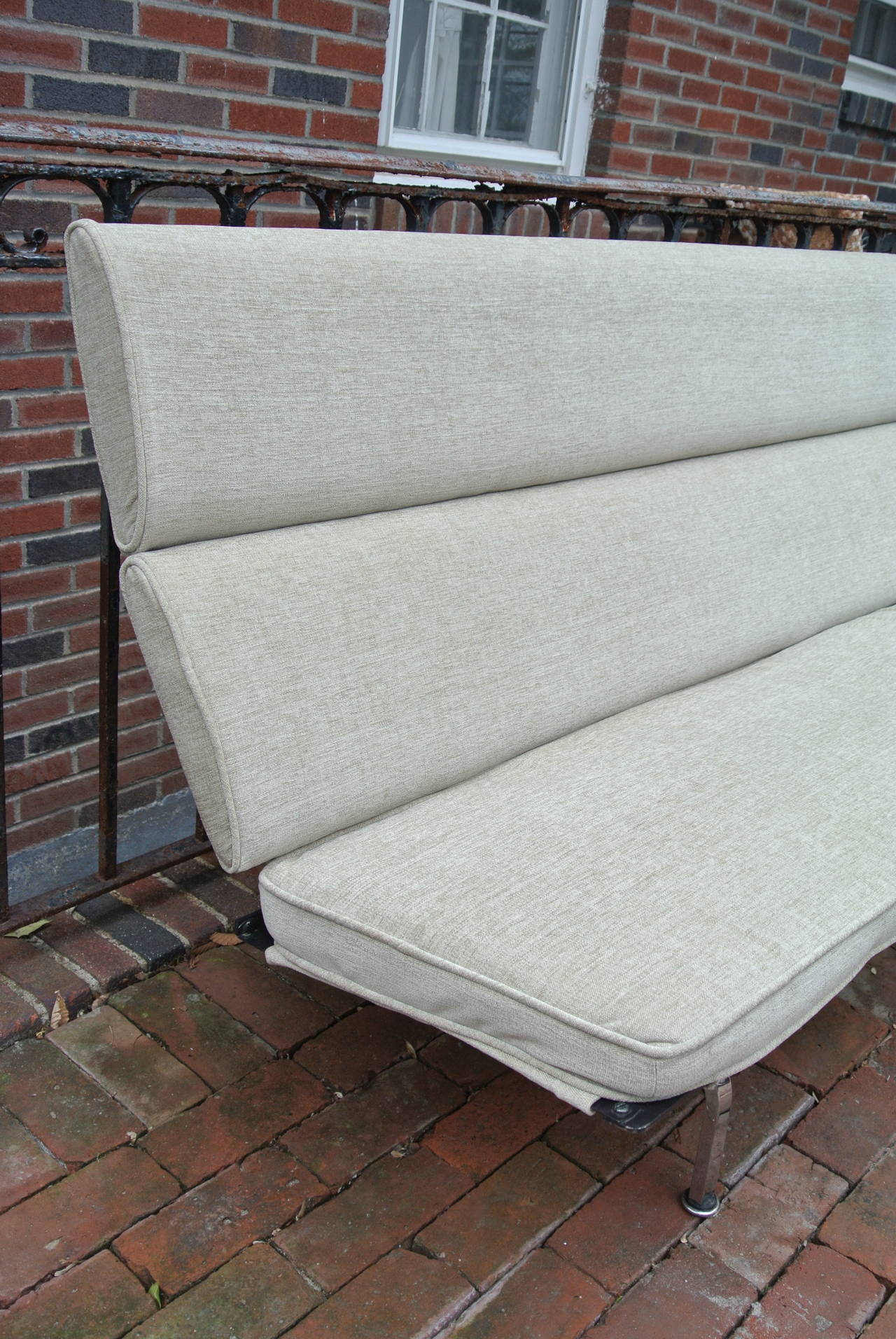 Charles Eames pact Sofa for Herman Miller For Sale at 1stdibs