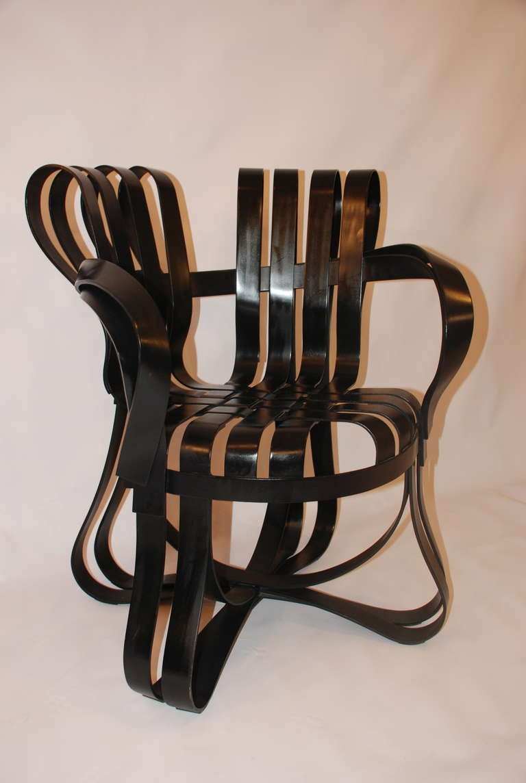 70s chairs is frank o gehry s cardboard chair wiggle side chair - Frank Gehry For Knoll 4 Ebony Cross Check Dining Chair Set
