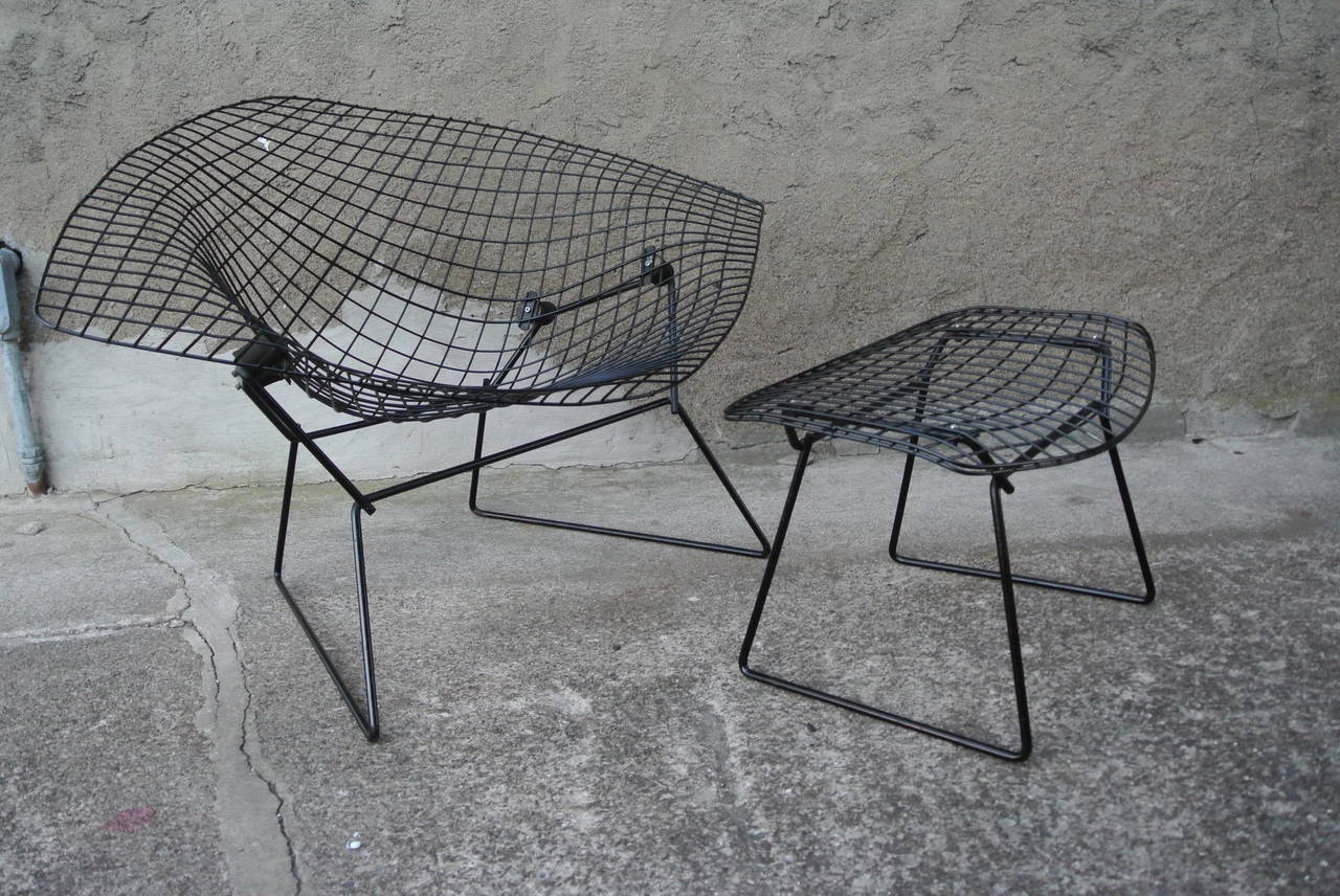 diamond chair w ottoman by harry bertoia for knoll at 1stdibs. Black Bedroom Furniture Sets. Home Design Ideas