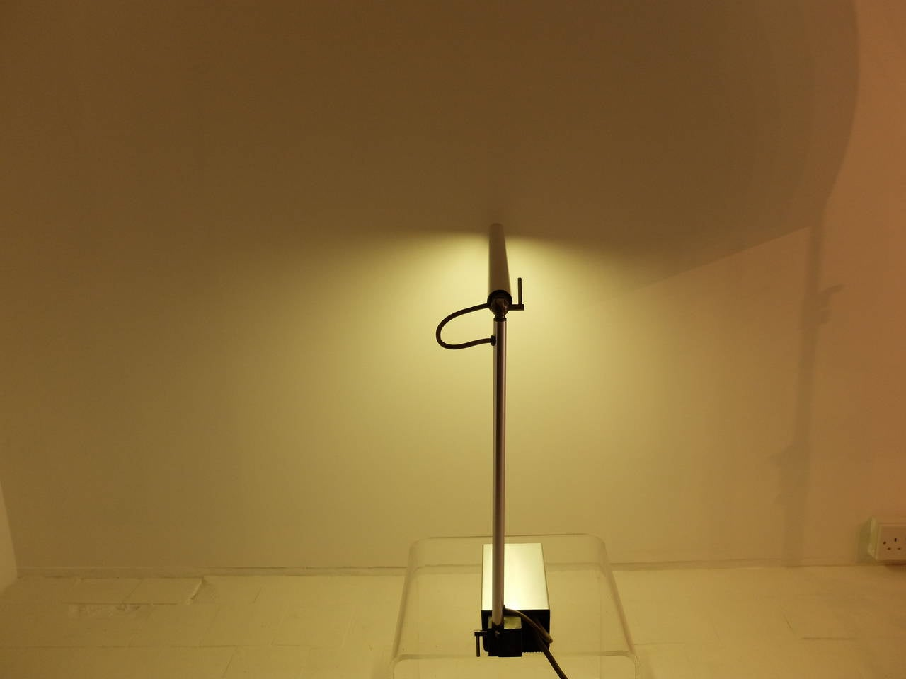 Abramowitz desk lamp as seen in james bond you only live for Minimal art generator
