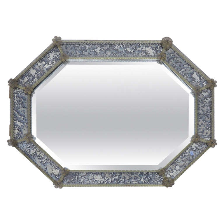 Octagonal mirror veron se with parecloses in old looking for Looking for wall mirrors