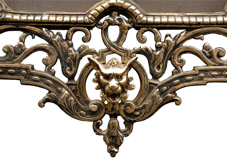 Late 19th Century English Brass Fire Guard In Good Condition For Sale In London, GB