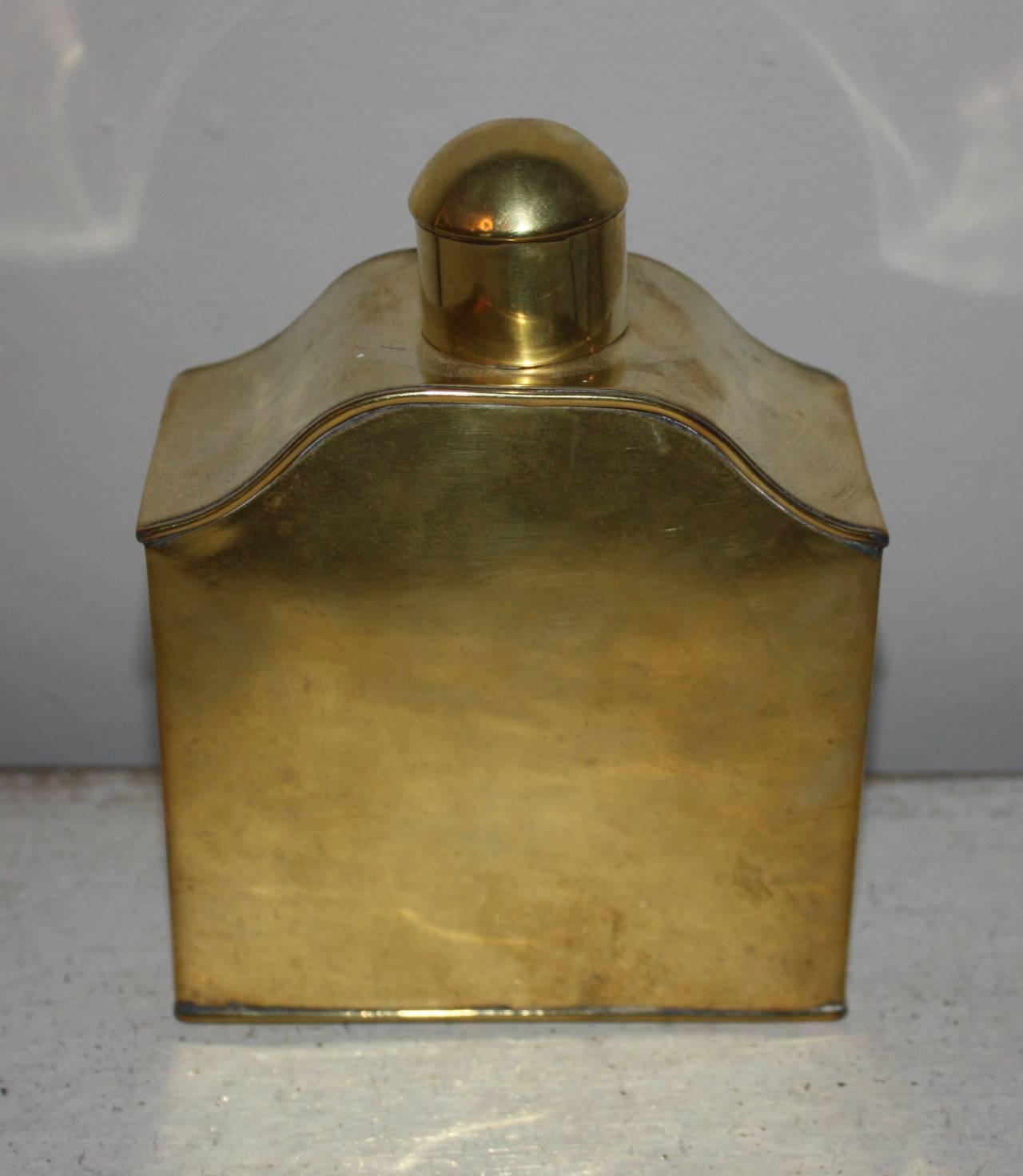 19th Century Victorian Brass Tea Caddy In Good Condition For Sale In Copenhagen, K
