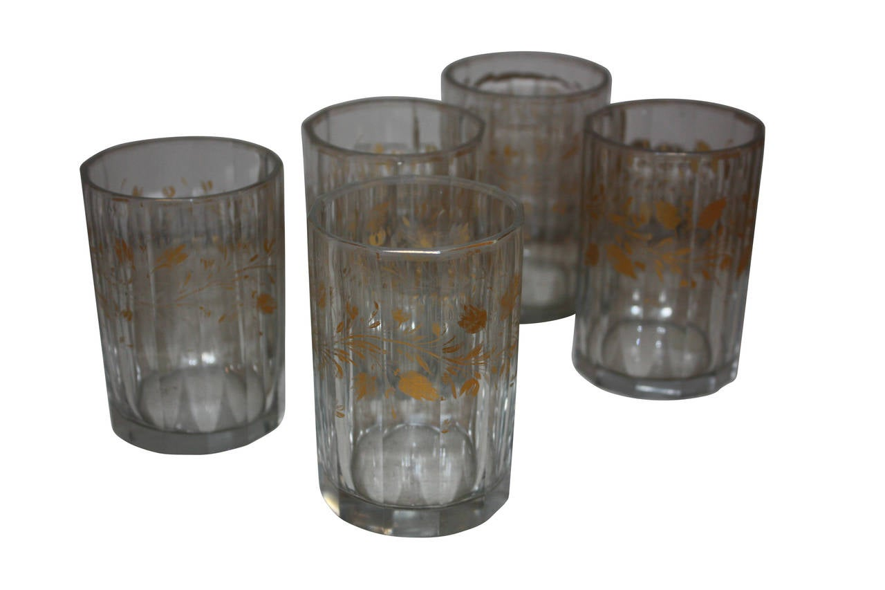 Set of Five 19th Century Glasses with Gold Leaf Motive In Good Condition For Sale In Copenhagen, K
