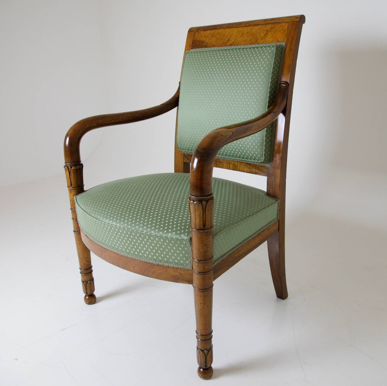 dating french furniture A lesson on early brittany-style furniture kate van hoof september 4, 2013 according to our pals at good ol' wikipedia, the french province of brittany.