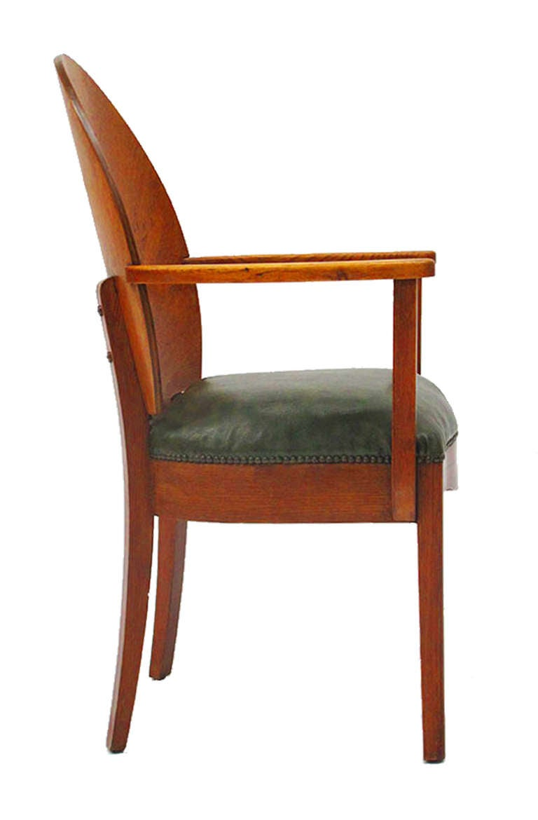 Beautiful ensemble of twelve art deco dining chairs and for Beautiful dining table and chairs