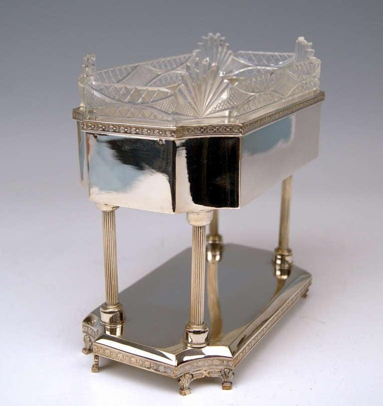 Silver Art Nouveau Centrepiece Original Glass Liner Vienna Austria circa 1900 In Good Condition For Sale In Vienna, AT