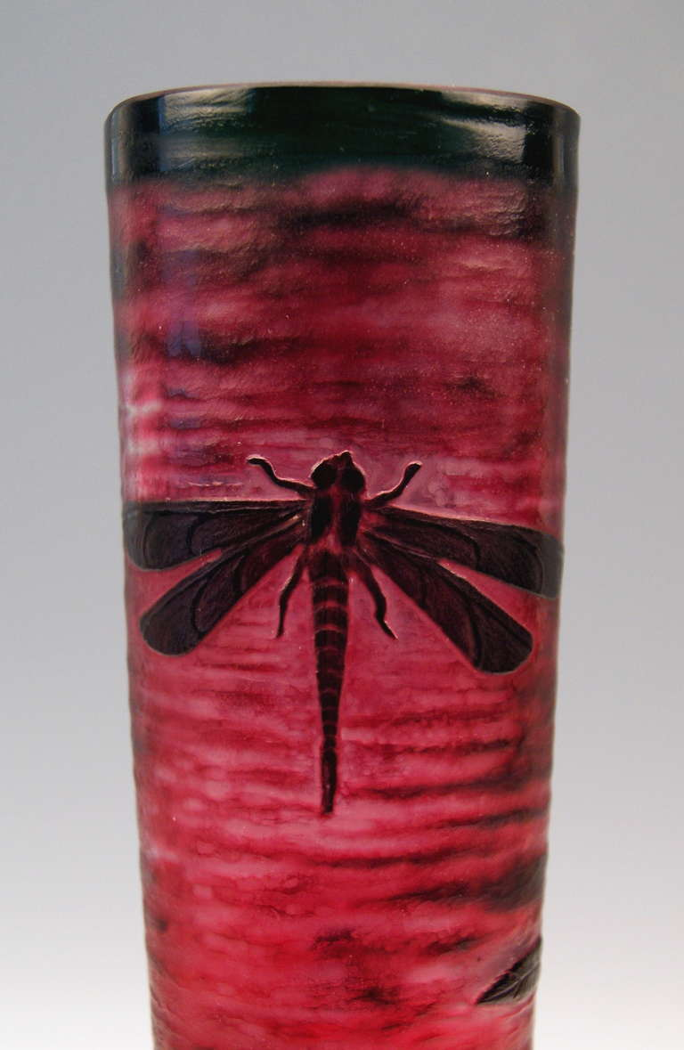 Daum Nancy Tall Stalky Vase with Dragonfly and Water Lilies Art Nouveau France Lorraine circa 1900 4