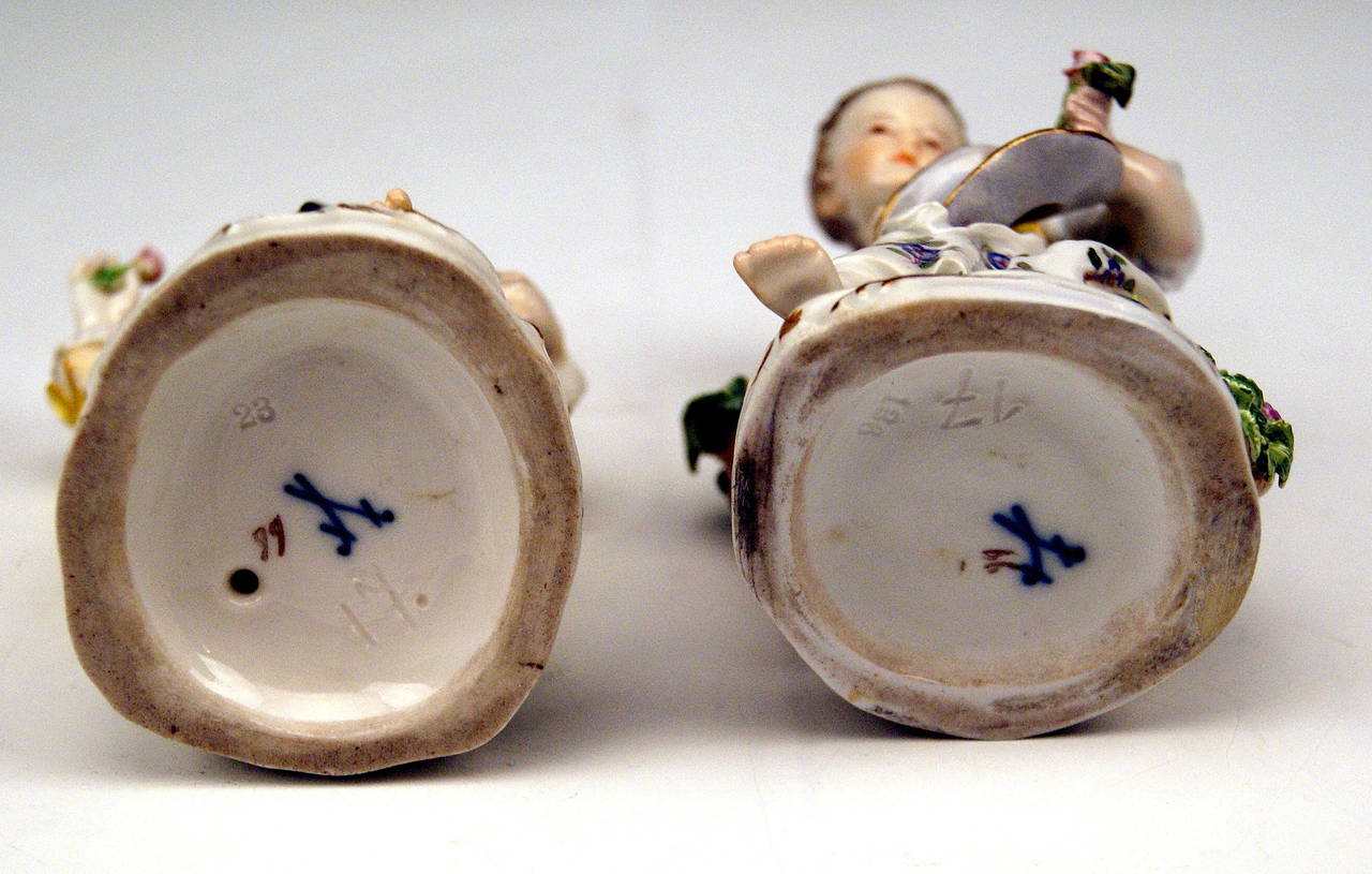 Late 19th Century Meissen Pair of Gardener Child Rococo Figurines, Model 17 by Kaendler, 1870 For Sale