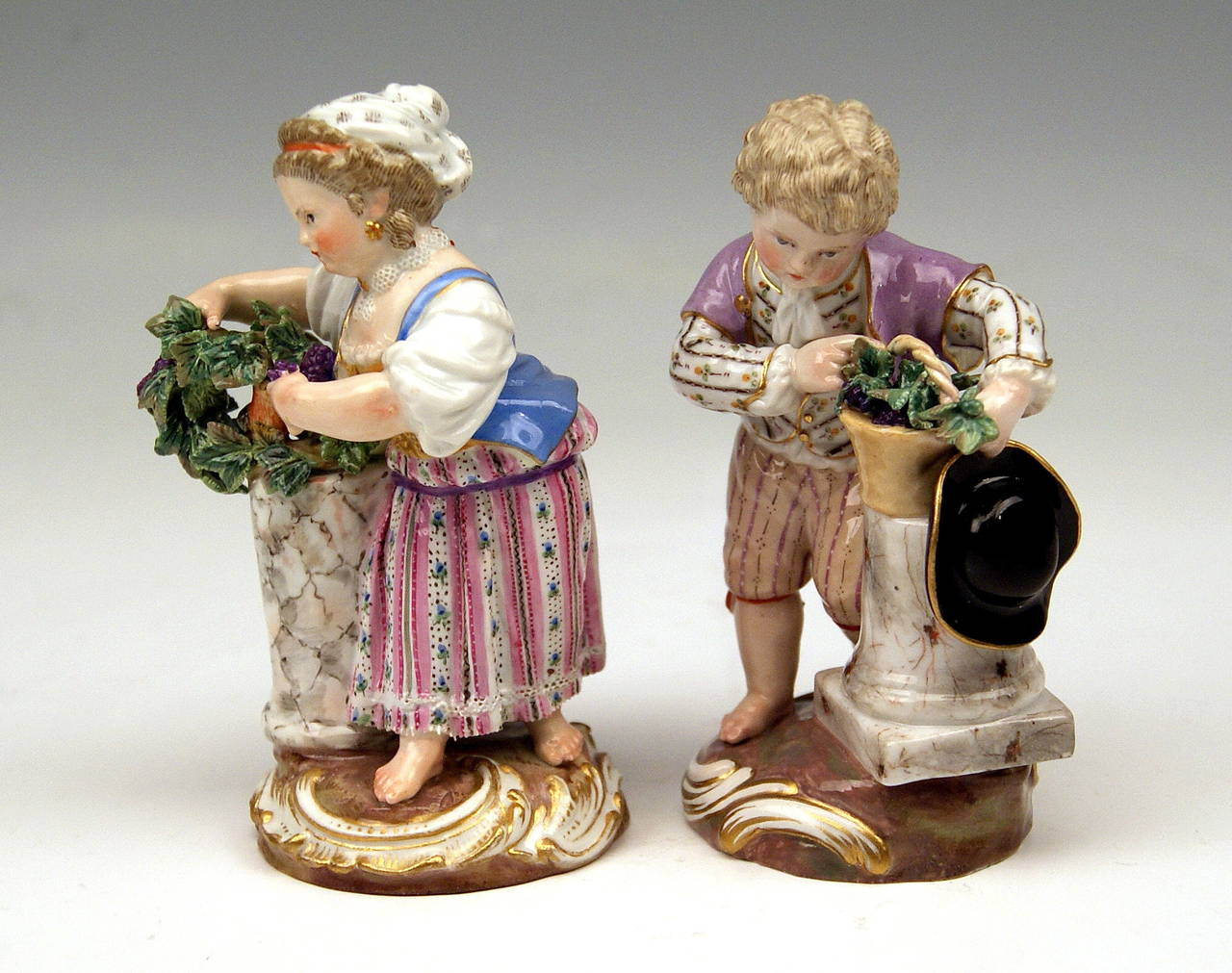 """Rococo Meissen Two Children Seasons Figurines """"the Fall,"""" Model F 24 by Acier, 1870 For Sale"""