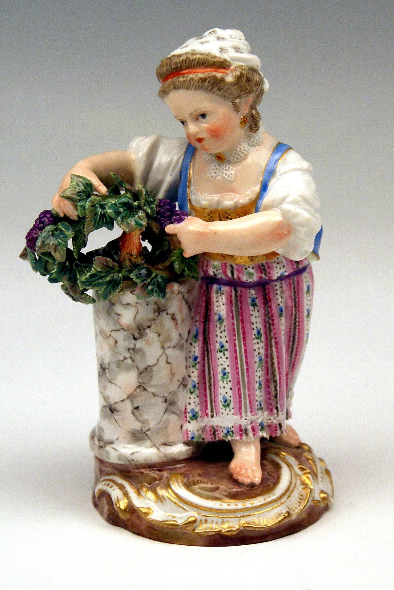 """Painted Meissen Two Children Seasons Figurines """"the Fall,"""" Model F 24 by Acier, 1870 For Sale"""
