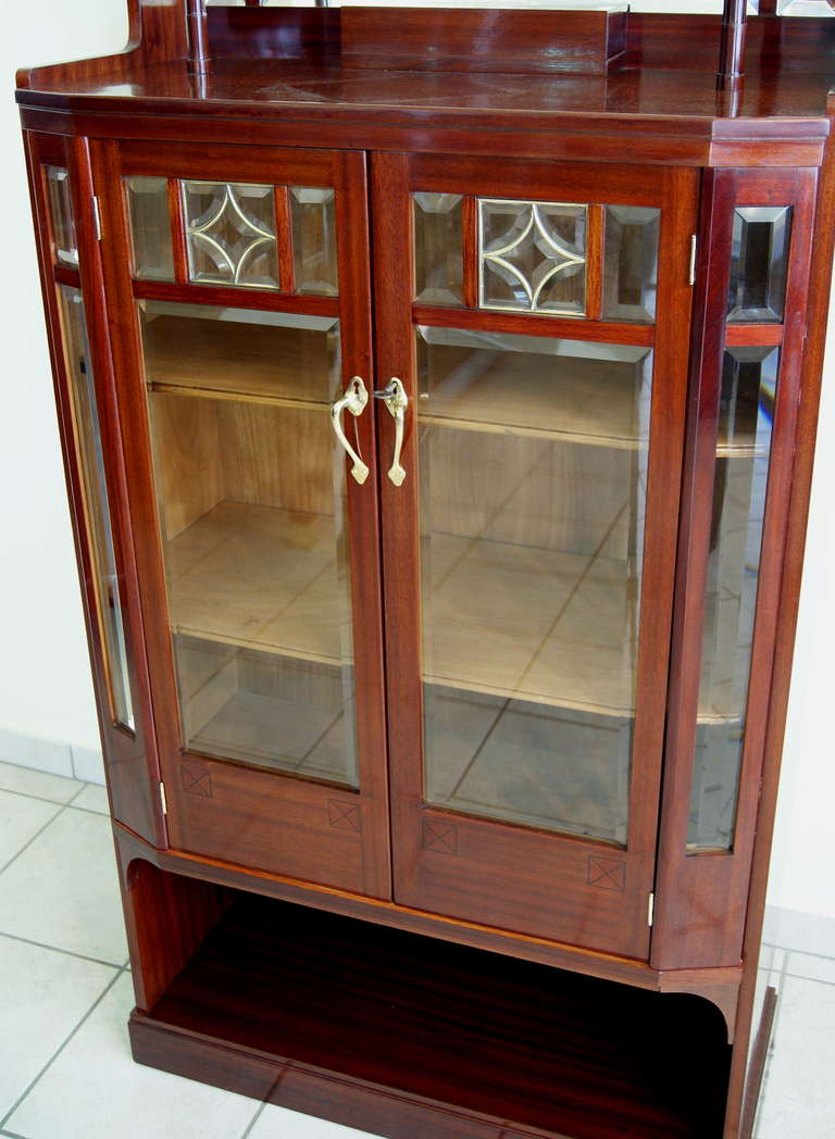 20th Century Art Nouveau Vertiko Glass Cabinet with Doors, Vienna, circa 1900 For Sale